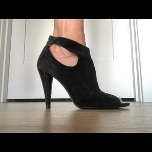 👠💃🏻Seven for All Mankind open-toed booties